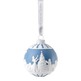 image-Wedgwood - Christmas Dressing the Tree Bauble