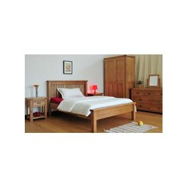 image-Country Oak Bedroom Set