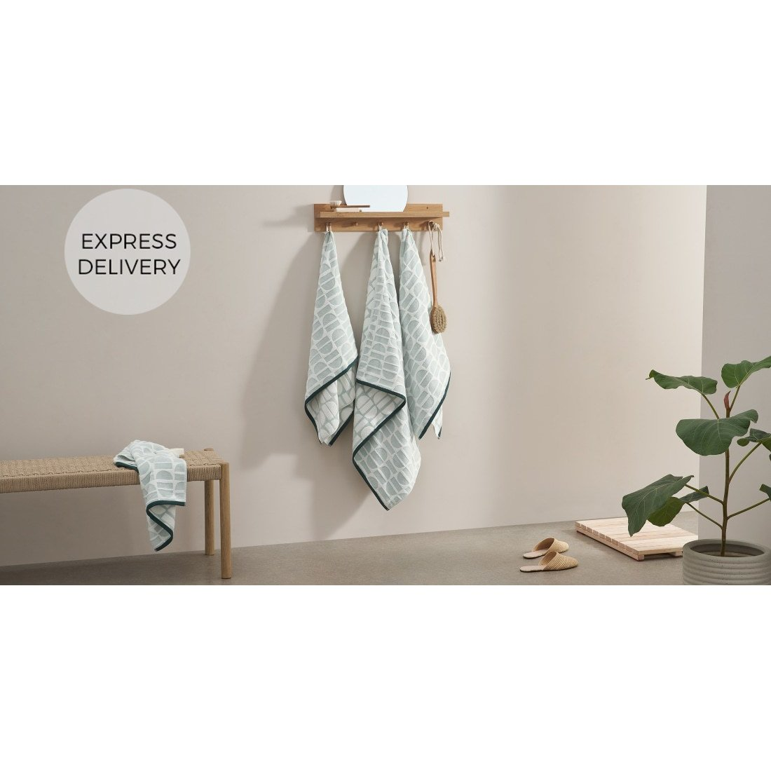 image-Oporo 100% Cotton Set of 2 Hand Towels, Green