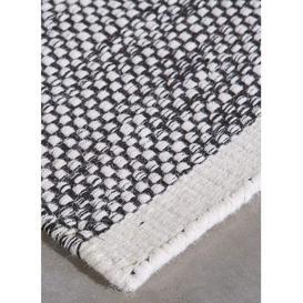 image-Teppe Wool Rug by Momo Rugs - 140 x 200 cm / Black / Wool