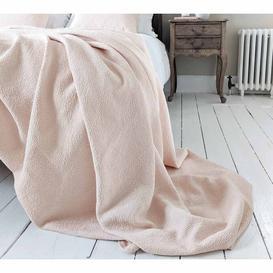 image-Oulu Shell Bedspread