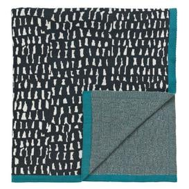 image-Geometric shape patterned throw
