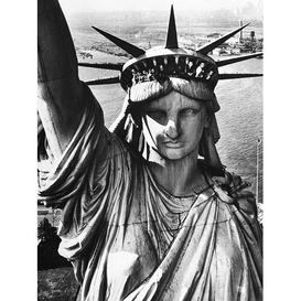 image-Time Life - Statue of Liberty Photographic Print East Urban Home Format: Paper, Size: 50cm H x 40cm W