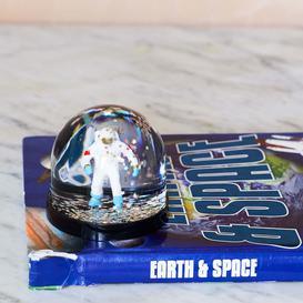 image-Astronaut Snow Globe